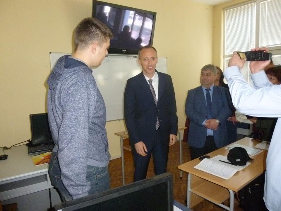 Министърът на образованието на посещение в НПТГ