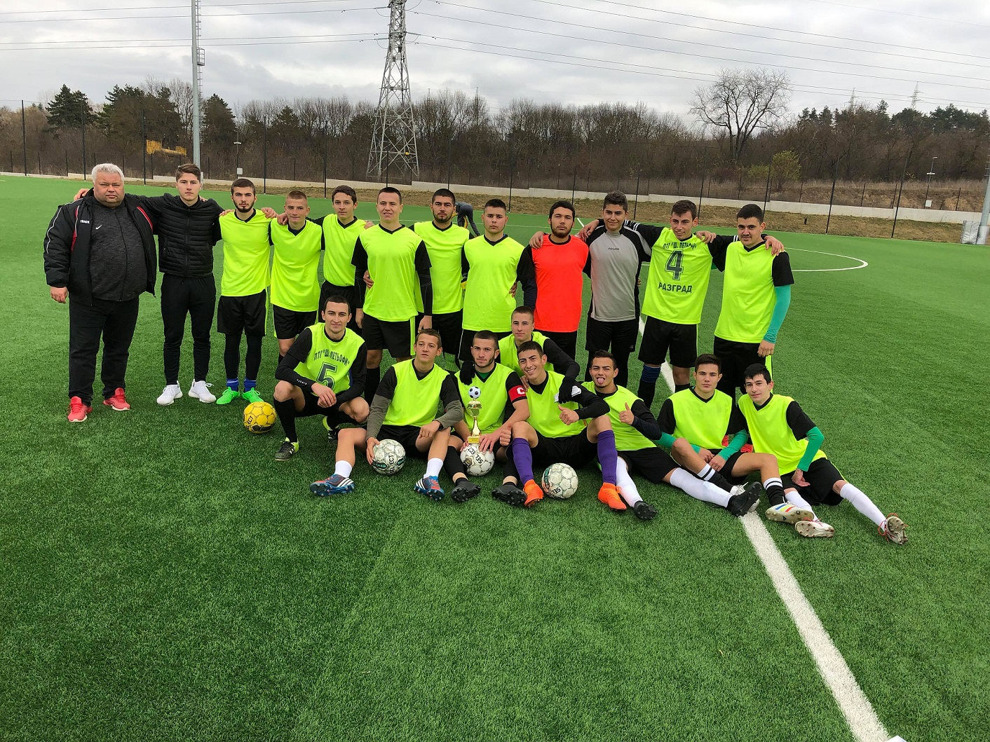 Победа за нашите отбори на Общинското първенство по футбол за ученици.