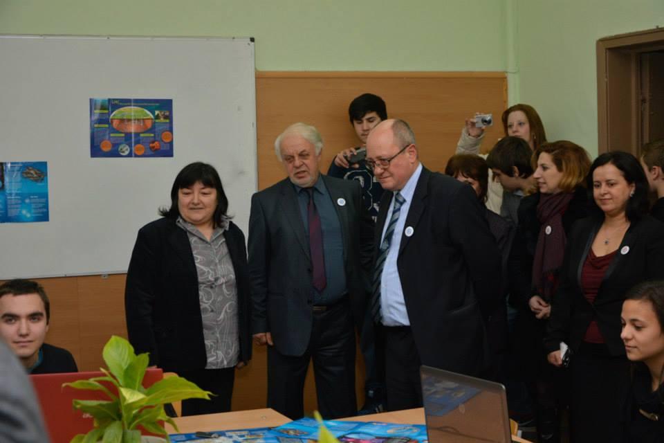 """Mинистърът на образованието и науката проф. Тодор Танев посети ПТГ""""Шандор Петьофи"""""""